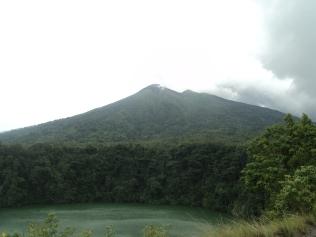 Tolire Besar Lake