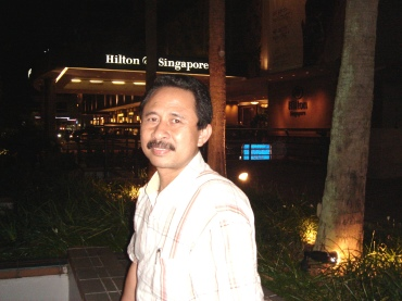 Waiting Taxi in front of Hilton Hotel Orchard Road
